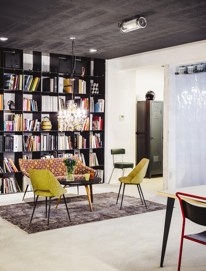 Vous en avez assez de travailler dans des bureaux aseptisés où vous ne vous sentez pas à l'aise ? Découvrez Garage Central >> www.lesconfettis.com/garage-central
