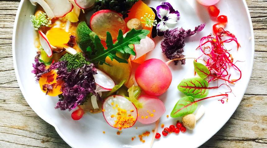 La Guinguette d'Angèle : Une cuisine saine mais toujours gourmande, rendez-vous chez le nouveau chouchou des parisiens >> www.lesconfettis.com/la-guinguette-d-angele