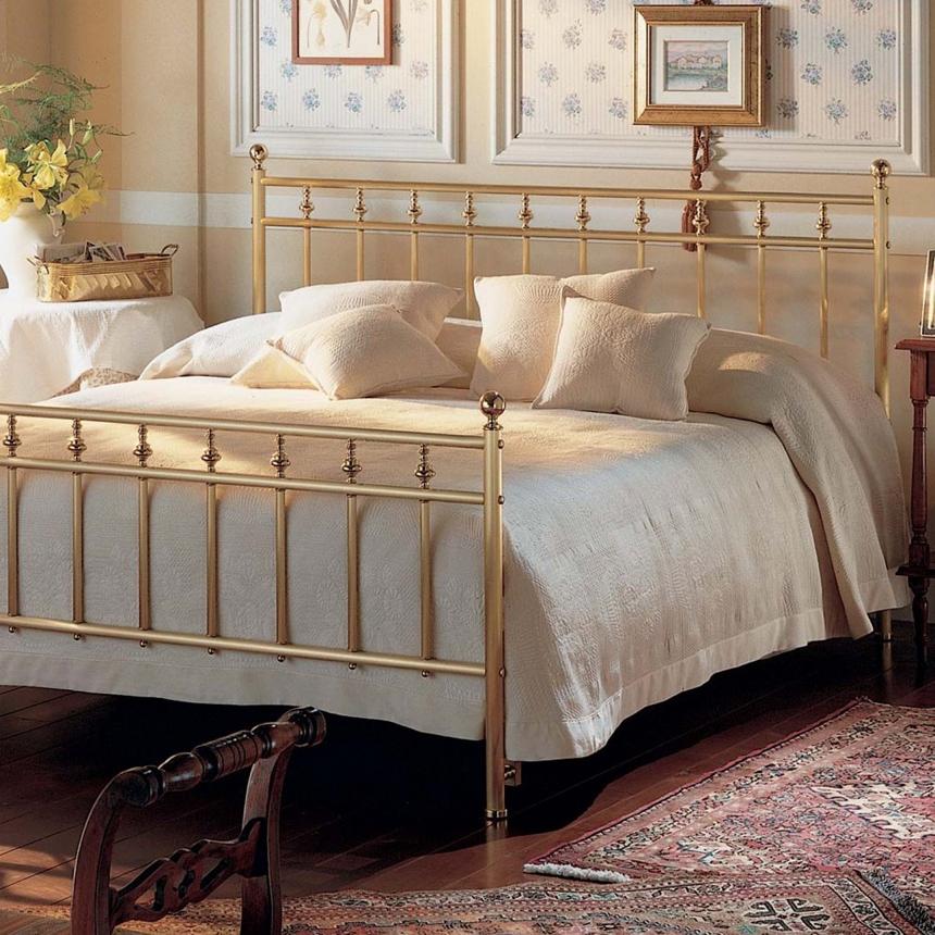 le laiton un mat riau qui r chauffe les confettis. Black Bedroom Furniture Sets. Home Design Ideas
