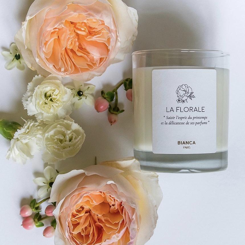bougie-parfumee-florale-bianca-scene