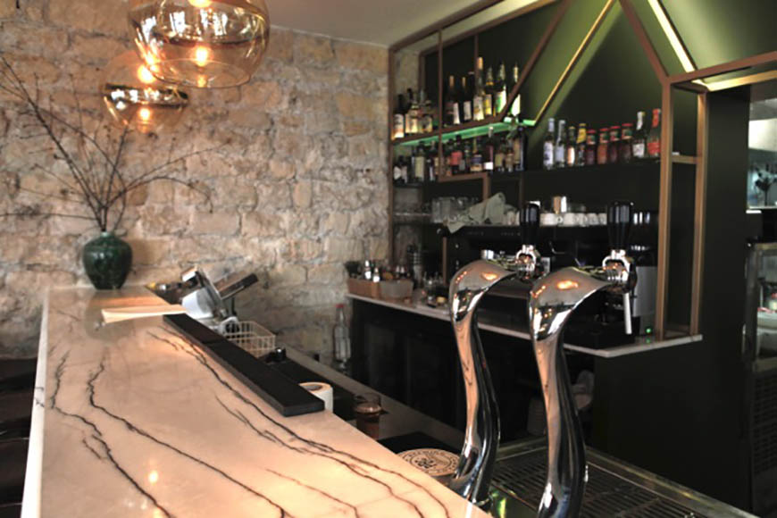 bar-restaurant-noun