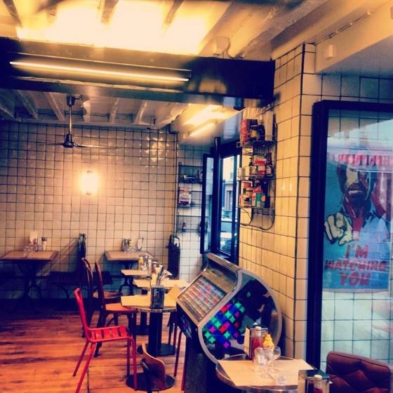 le DINER BEDFORD, la bonne adresse burger du 7eme