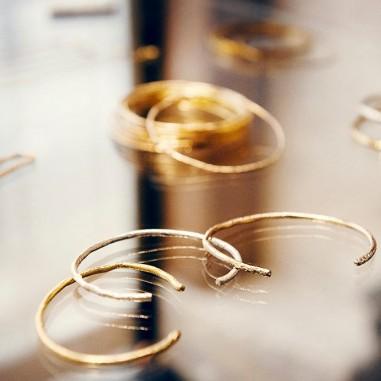 Les bijoux Monsieur Paris : Une parure de féminité