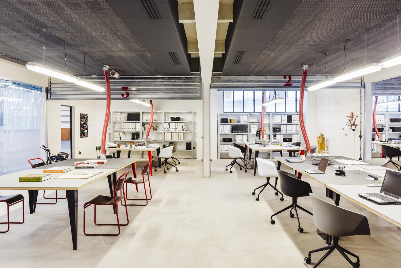 Garage central un bureau comme la maison les confettis for Garage paris bar