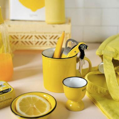 club-couleur-jaune-les-confettis
